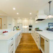 White Kitchen & Clean Lines